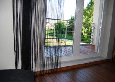 Balkon z drewna egzotycznego