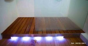 Brodzik w łazience - deska teak