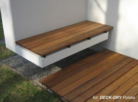 aranżacja tarasu drewno w łazience