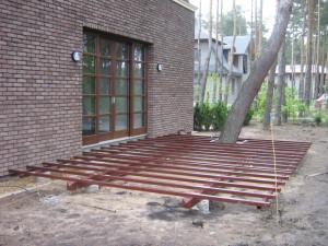 przykładkowa podkonstrukcja stalowa pod taras drewniany