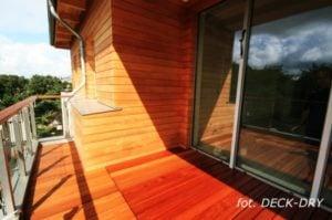 Rozwiązanie tarasu i ściany elewacyjnej w drewnie