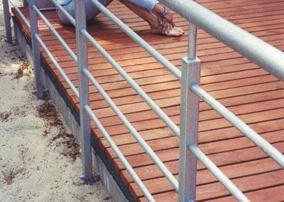 Taras drewniany i Balustrada stalowa