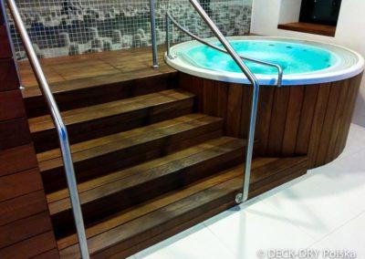 deska-cumaru-taras-na-basenie-schody