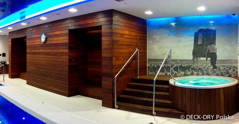wnętrze basen z drewnem zdjęcia