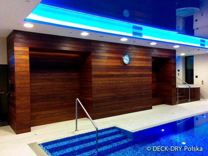 Drewno egzotyczne na basenie