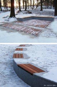 Deski Tarasowe Zimą w Parku Deck-Dry Zdjęcia archiwalne