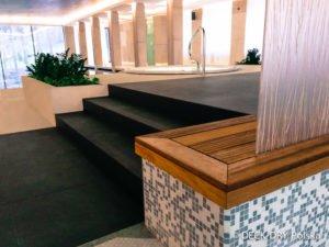 Obudowy drewniane na basenie zdjęcia z basenu
