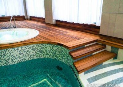 Schody do basenu drewniane Deck-Dry