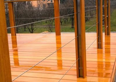 Balustrada tarasu drewnianego