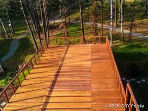 Taras Zewnętrzny w Lesie - zdjęcie w lesie