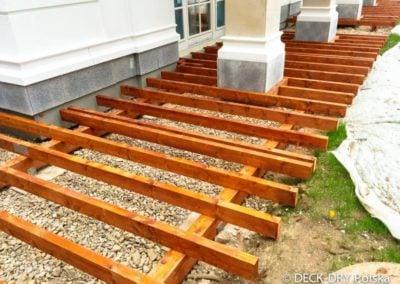 Zabudowy Tarasów - montaż tarasu drewnianego Deck-Dry