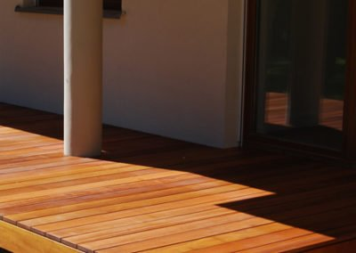 Taras drewniany - narożnik podestu z drewna egzotycznego bangkirai