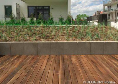 drewniany-taras-deska-termowana-kamienice-11