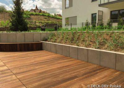 drewniany-taras-deska-termowana-kamienice-14