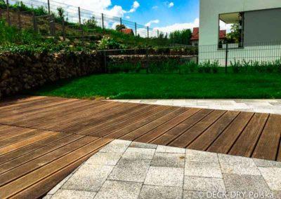 drewniany-taras-deska-termowana-kamienice-3