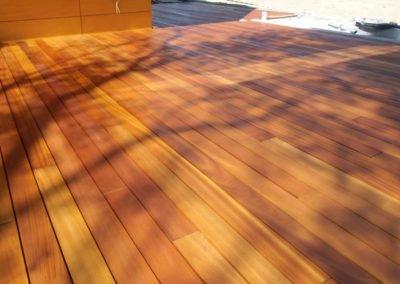 drewniany-taras-z-tatajuby-drewno
