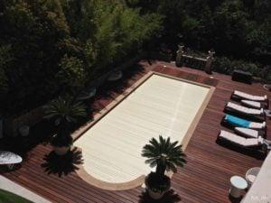 Taras wykonany jest na wylewce betonowej – czyli najbardziej trwałym podłożu.